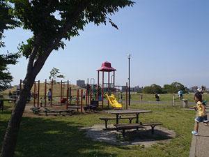 干潟館前公園
